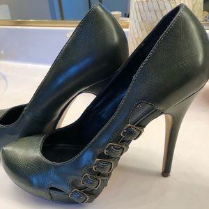 Beautiful green heels with buckle decor